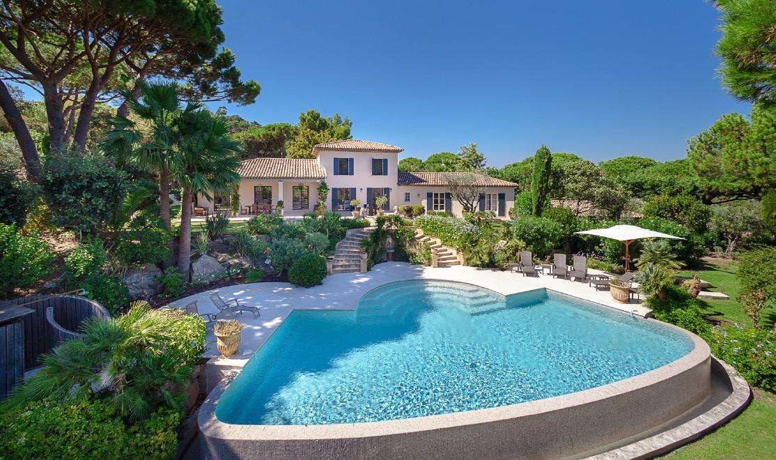 Ramatuelle – Ref P3006 – Elegant villa with sea view