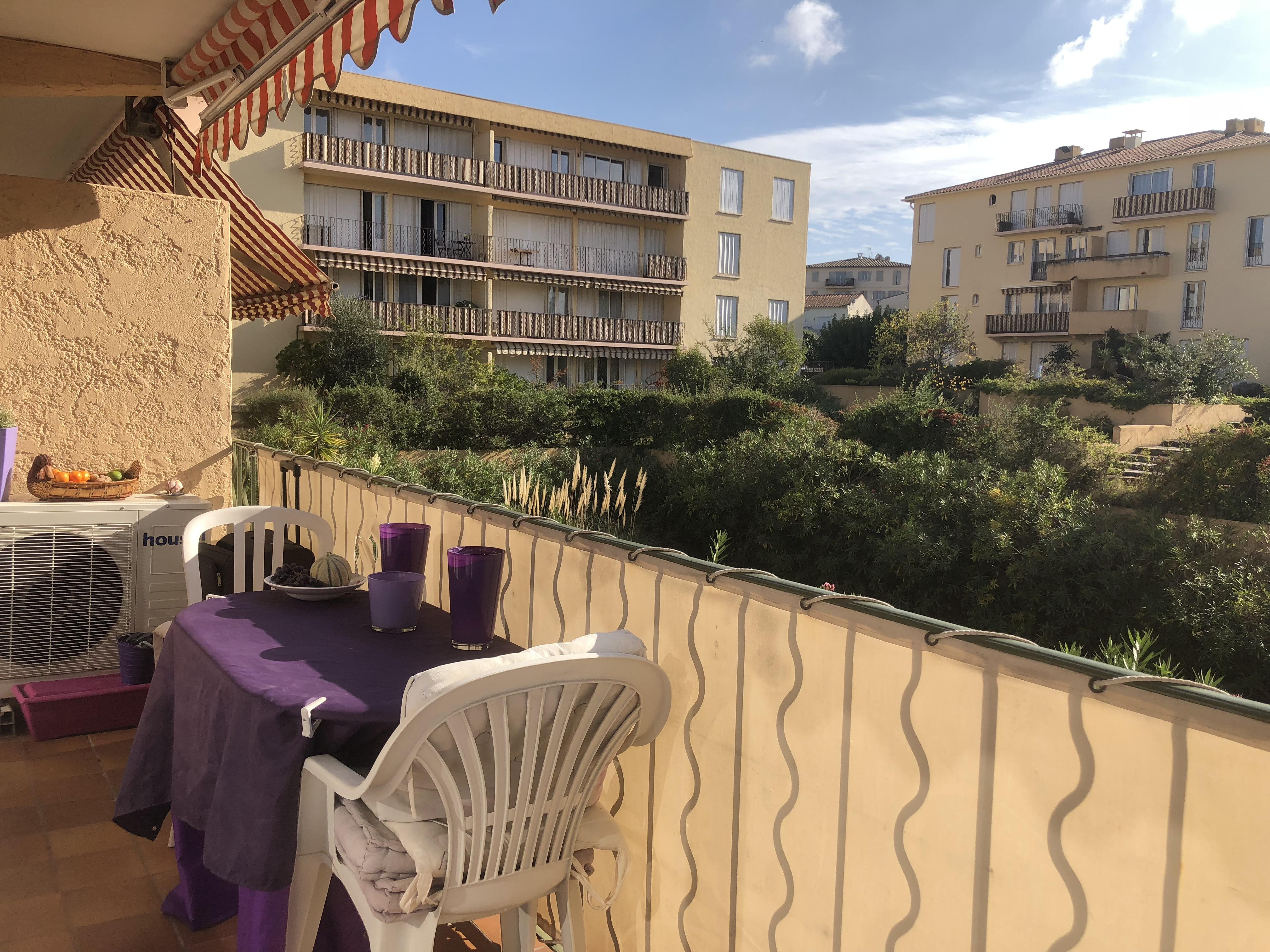 Saint-Tropez – Ref A607 – Large apartment with terrace