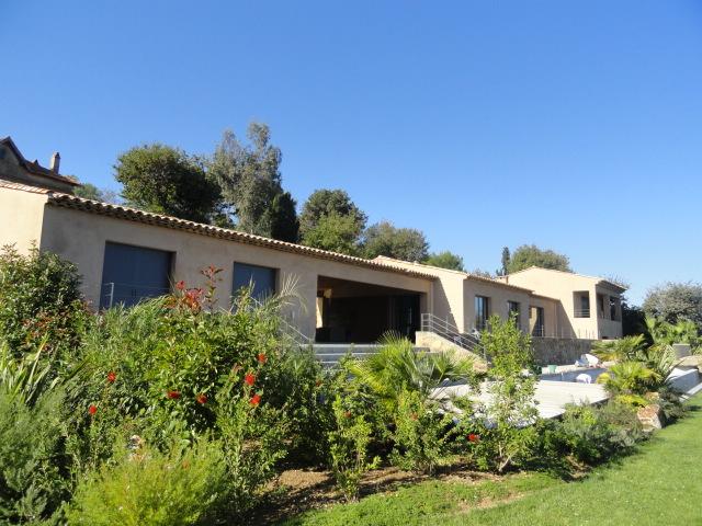 Route-Tahiti-Saint-Tropez-Dream-Houses-P3024-2
