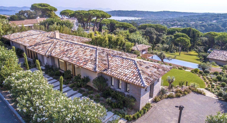 Saint-Tropez – Ref P3066 – Luxurious Contemporary villa
