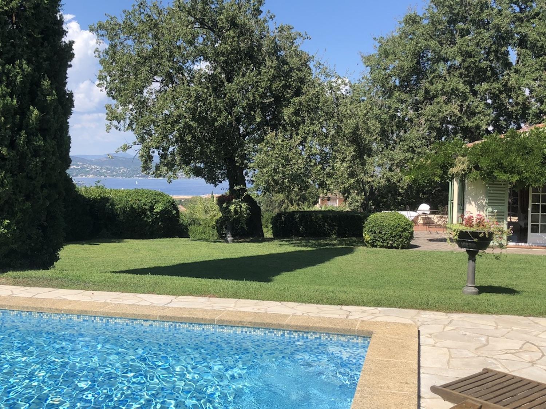 SAINT-TROPEZ – Ref P3058 – Charming villa with sea view to renovate